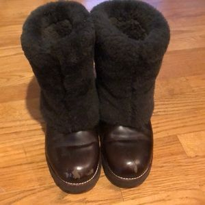 Ugg with shearling on the outside